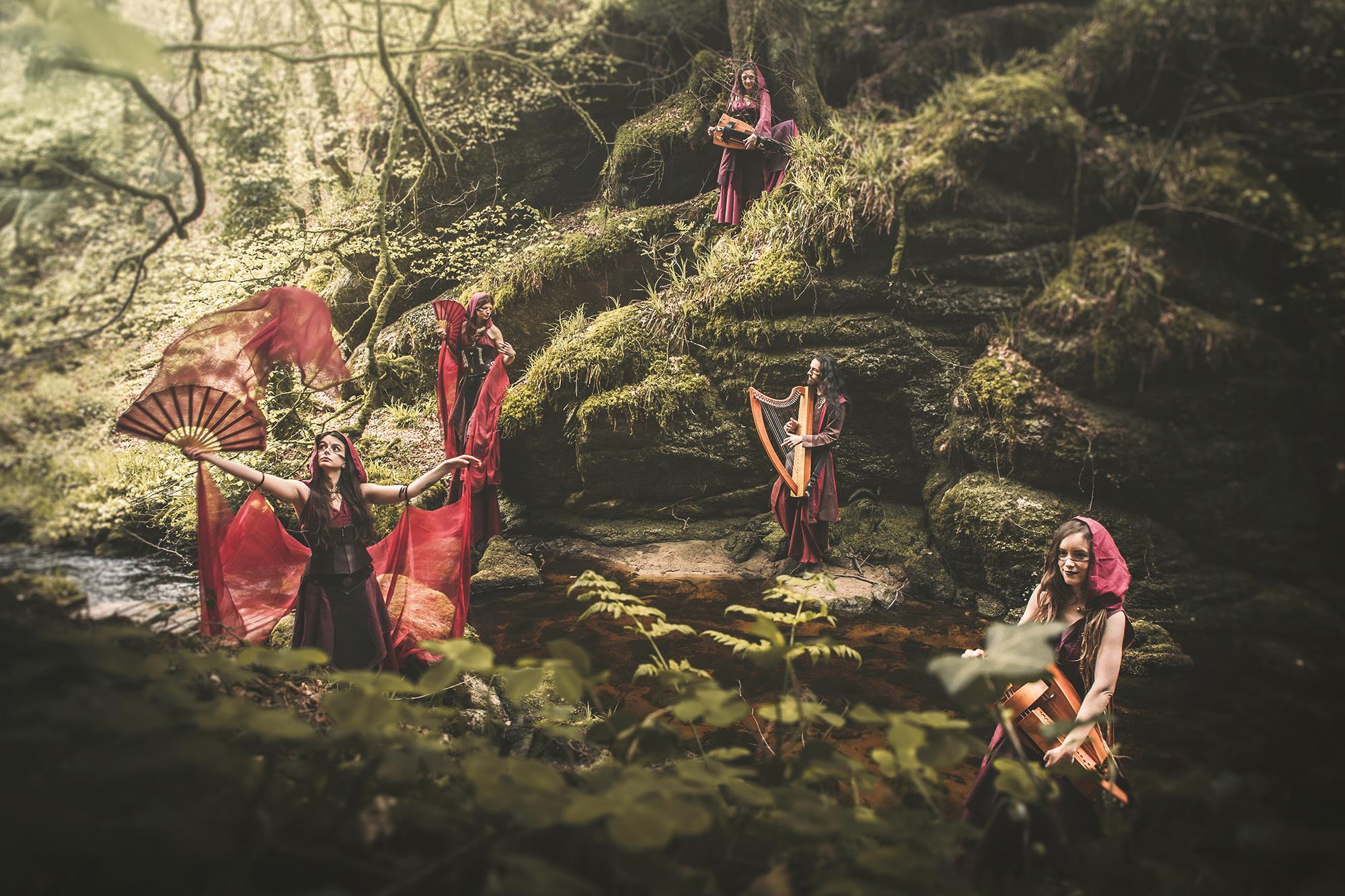 Beltaine déambulation musique et danse féerique médieval